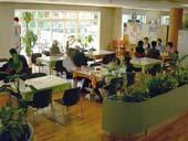 4068540601173d カフェはなのき 住所:東京都新宿区内藤町11 新宿御苑インフォメーションセンター内
